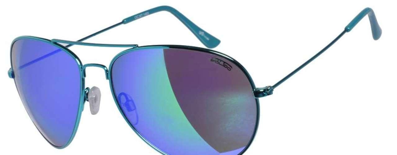 Este modelo vem com armação azul: da Chilli Beans. Preço: R$ 228.Informações: (11) 3818-3030