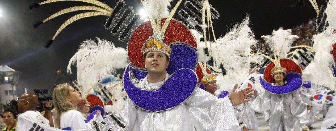 Fantasias faziam menção a caracteres típicos da cultura coreana