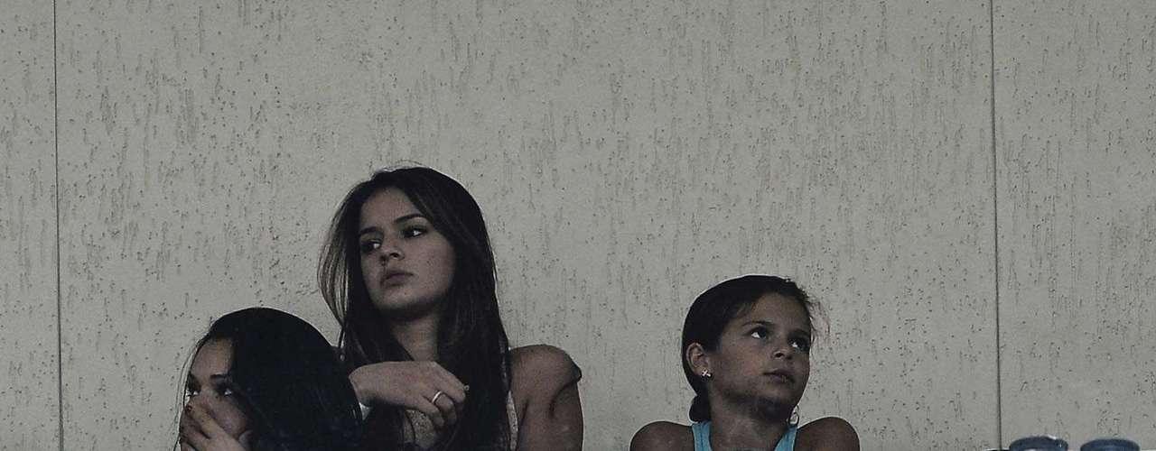 No domingo doCarnaval de 2013, a atriz foi conferir um jogo do Santos, time queNeymar defendia, no estádio do Pacaembu, em São Paulo. Eles ainda não haviam assumido o namoro