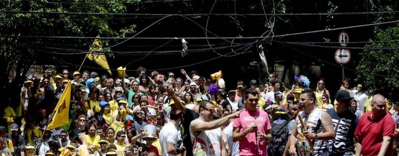 Bloco do Esfarrapado reuniu milhares de pessoas