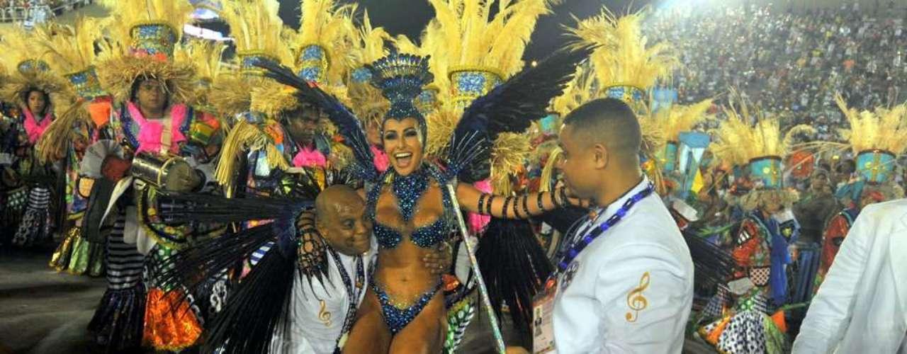 Sabrina Sato foi destaque da Vila Isabel no Carnaval 2013