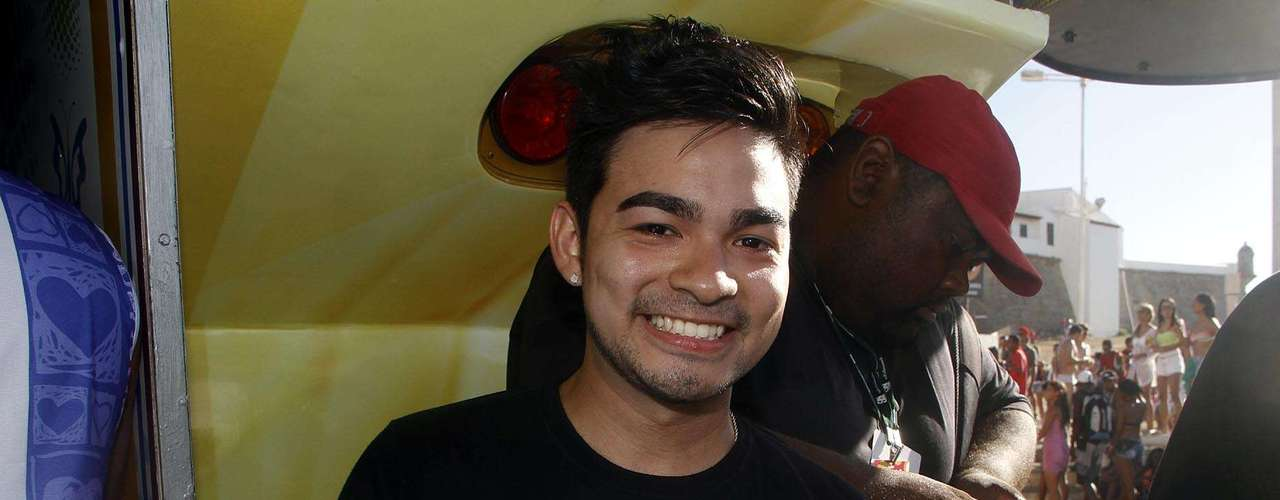 O apresentador Yudi prestigiou o sertanejo no Barra-Ondina