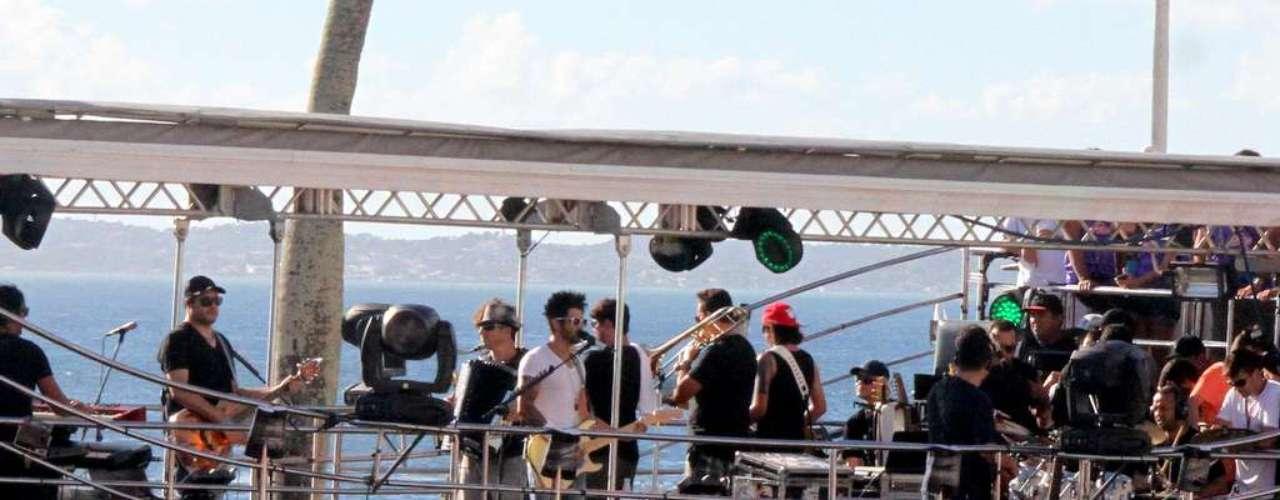 No repertório não faltaram canções como Balada Boa, Mente Pra Mim, Eu Vou Beber Água de Bar, entre outras que fazem parte do último DVD do cantor