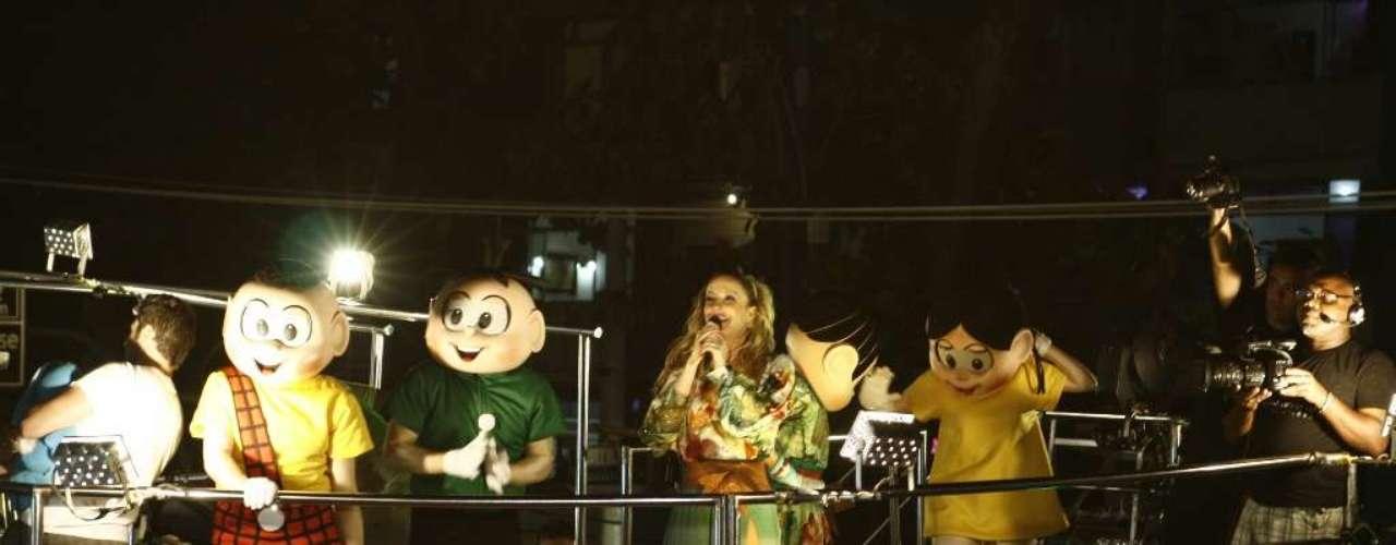Claudia Leitte cantou ao lado dos personagens da Turma da Mônica, que foram criados por Maurício de Sousa