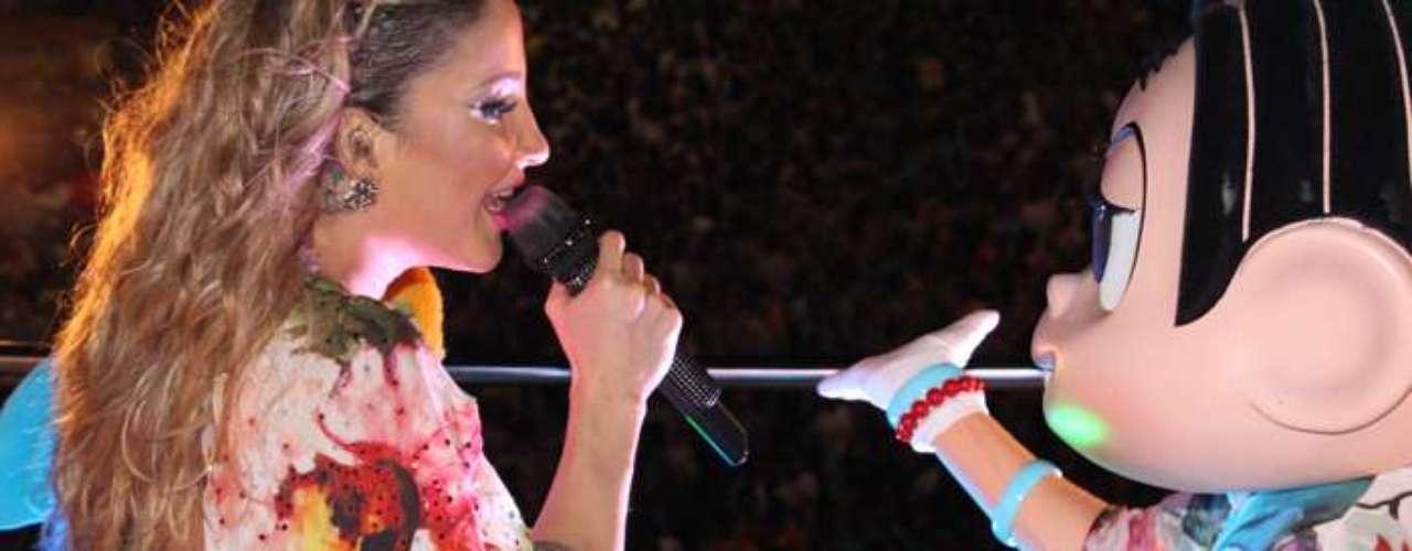 Claudia Leitte cantou ao lado da personagem Mônica, que está completando 50 anos