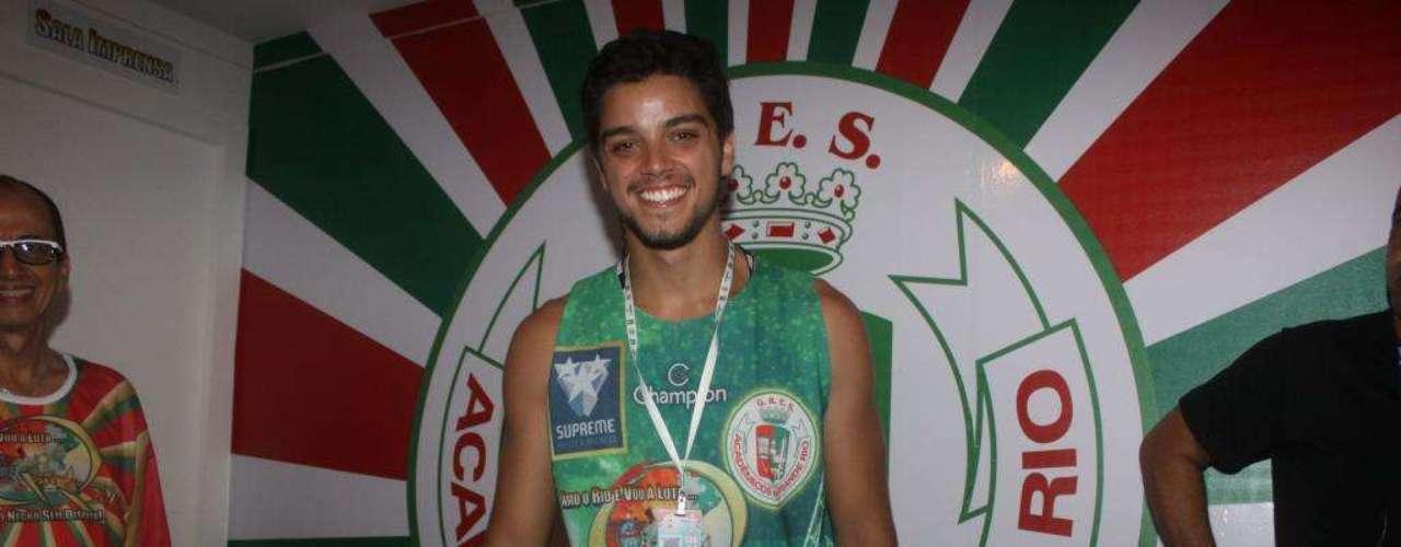 Rodrigo Simas no camarote da Grande Rio