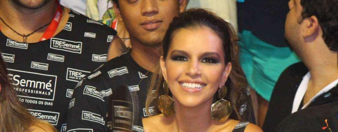 Linda, a atriz Mariana Rios curte o Carnaval em um camarote. Em Salvador, a atriz ainda fez um dueto com Claudia Leitte