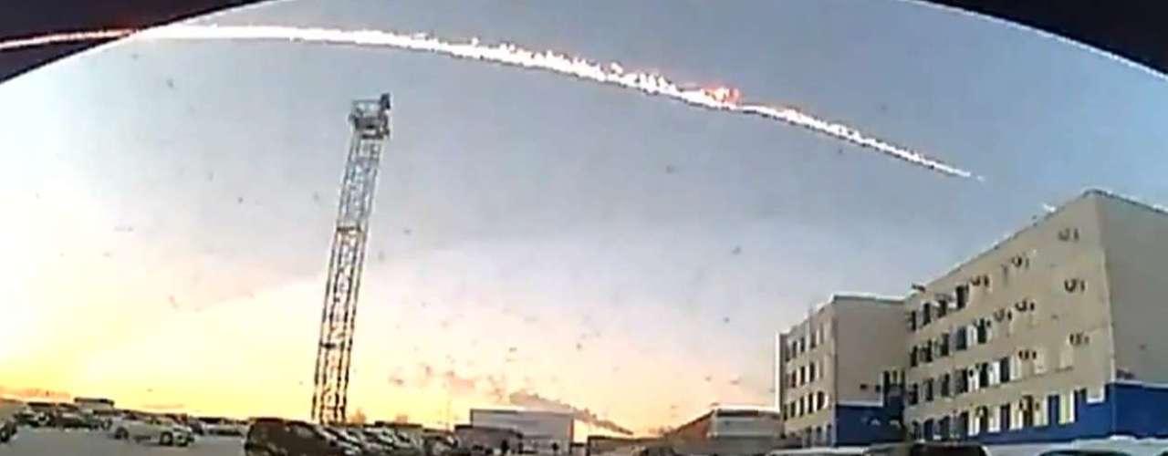 Fotos do fenômeno foram postadas na internet