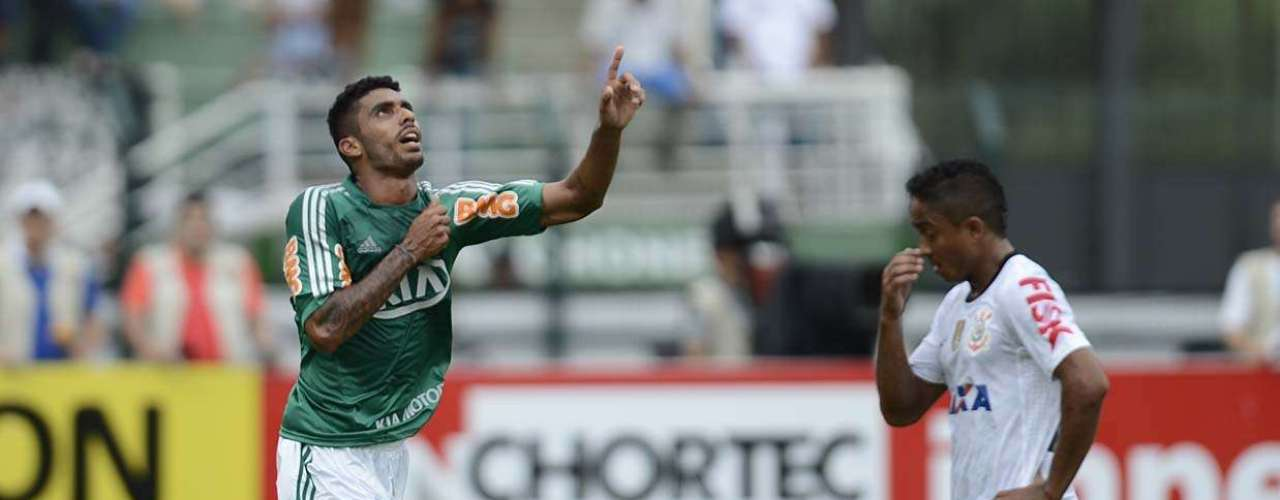 Zagueiro de origem e utilizado no meio de campo de Gilson Kleina, Vilson fez neste domingo sua segunda partida pelo Palmeiras