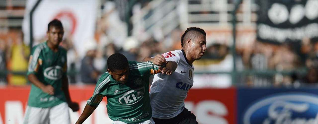 O Corinthians, de Ralf, volta a campo na quarta-feira, para enfrentar o San José, na Bolívia, pela primeira rodada da fase de grupos da Copa Libertadores da América. Já o Palmeiras só volta a campo no domingo, contra a União Barbarense