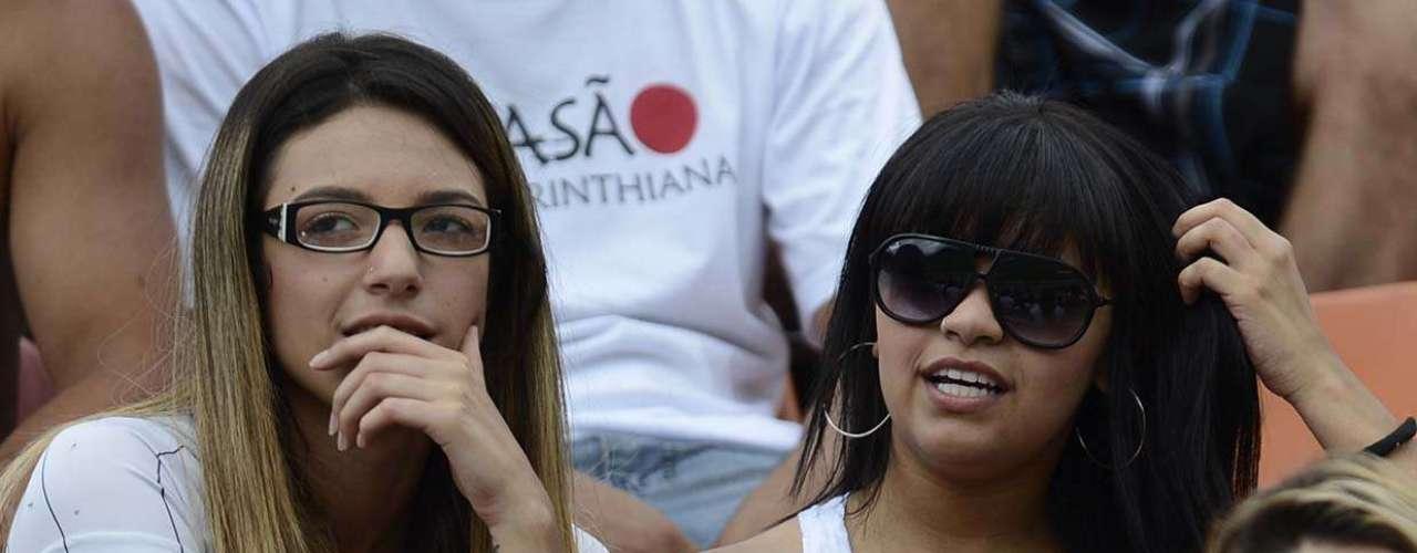 18/02:Com Pacaembu lotado, corintianos e palmeirenses trocam provocações durante dérbi paulistano pelo Campeonato Paulista