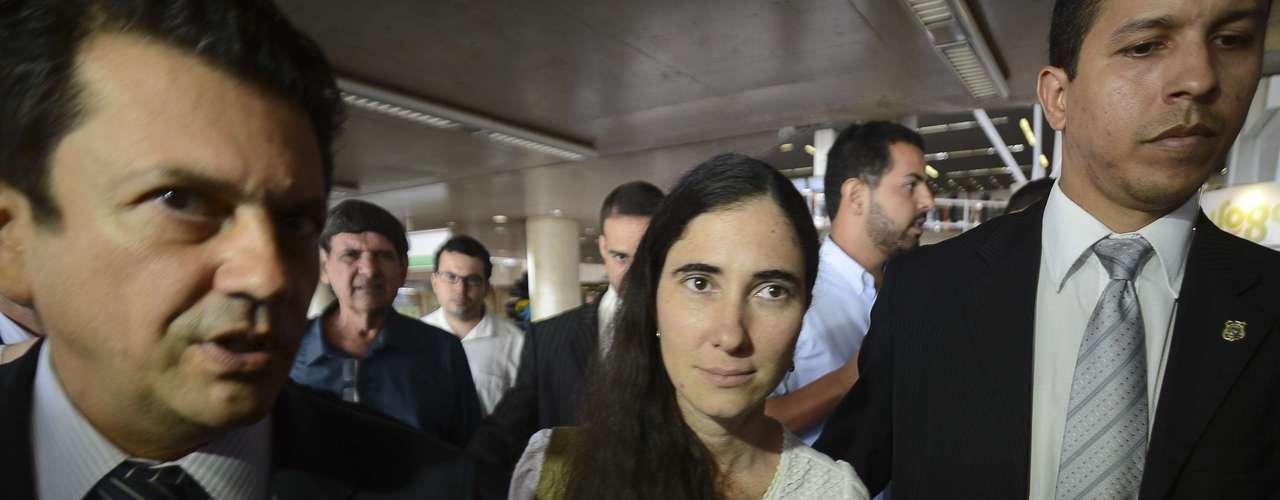 Em discurso após a exibição do documentário Conexão Cuba-Honduras, Yoani afirmou que que está feliz em poder visitar uma democracia como o Brasil