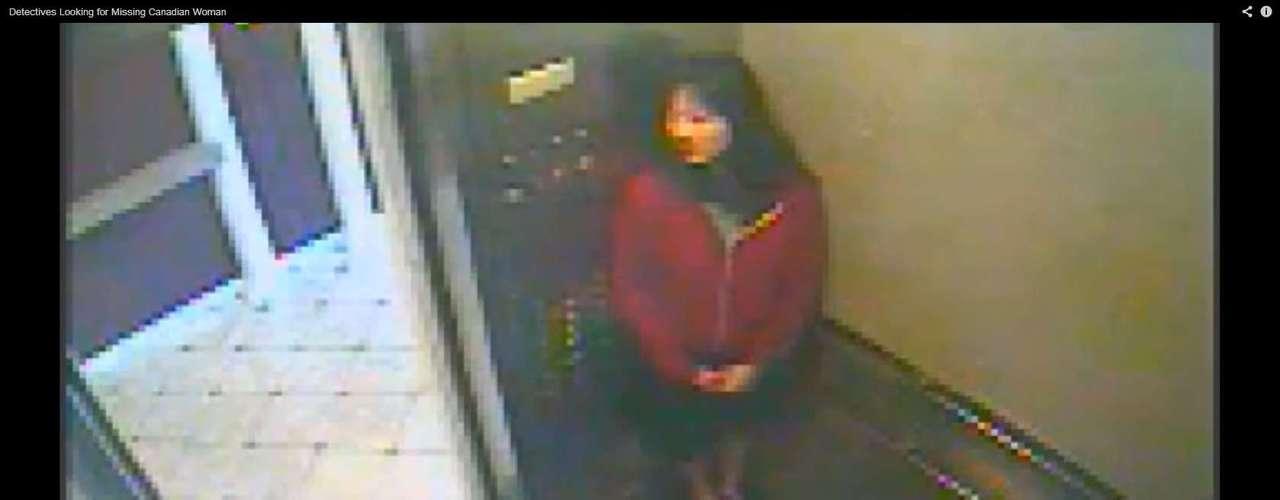 Frame de vídeo gravado dentro do elevador do Cecil Hotel. A gravação é o último registro de Elisa Lam viva