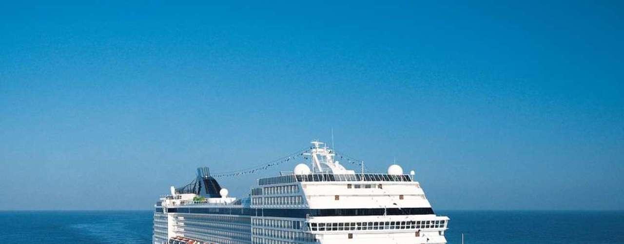 MSC Magnífica  Saindo de Santos, essa embarcação da MSC Cruzeiros parte em 28 de março e a viagem até Corunha, na Espanha, dura 15 dias