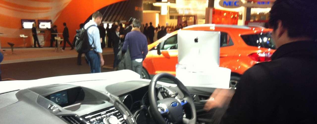 Usuário pode comandar o ar condicionado ou aquecimento mesmo antes de ligar o carro