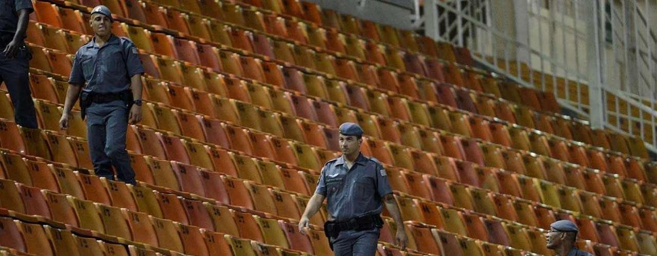 Penalizado por entidade, Corinthians foi obrigado a jogar com portões fechados
