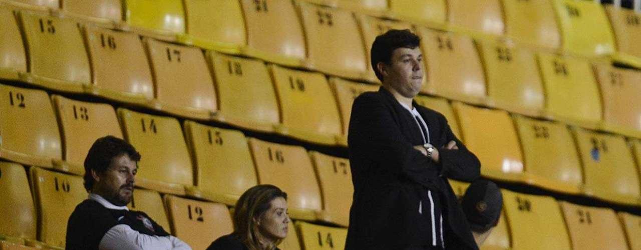 O Corinthians foi contra a presença do quarteto, que ignorou o clube e fez questão de estar presente às numeradas