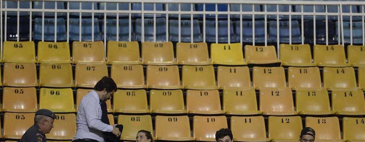 O pedido de antecipação de tutela (liminar) que deu ao grupo o direito de ir ao jogo foi obtido por Mendonça e para mais outros cinco torcedores - dois desistiram de entrar no Pacaembu