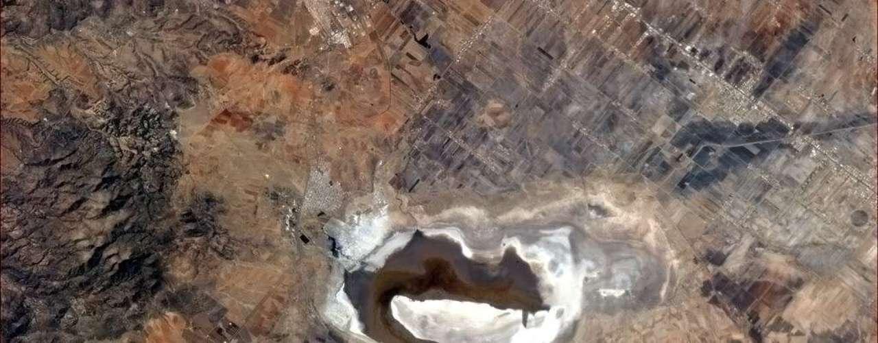 O astronauta Chris Hadfield desconhece o nome deste lago no México, mas o chama, carinhosamente, de \