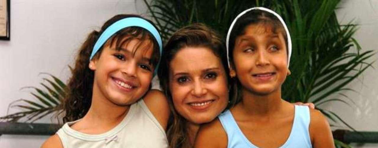 Bruna Marquezine (Flor), Paula Burlamaqui (Islene) e Duda,na novela 'América', de 2005
