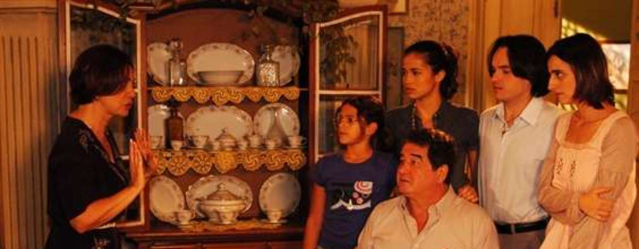 Marquezine e elenco danovela 'Cobras e Lagartos'