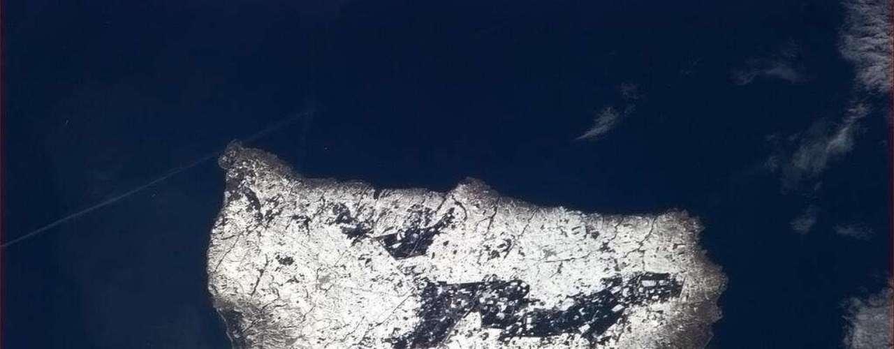 A ilha dinamarquesa de Bornholm, situada no Mar Báltico, foi fotografada de cima no dia 6 de março