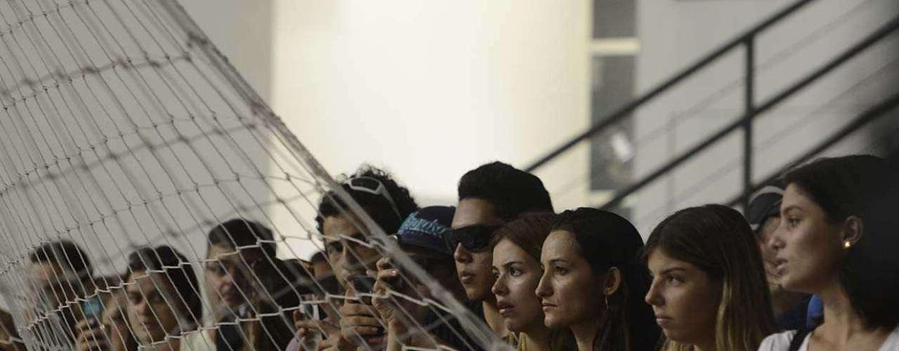 Familiares, amigos e fãs de Alexandre Magno Abrão, o Chorão, seguem se despedindo do cantor, nesta quinta-feira (7), na Arena Santos, na Baixada Santista