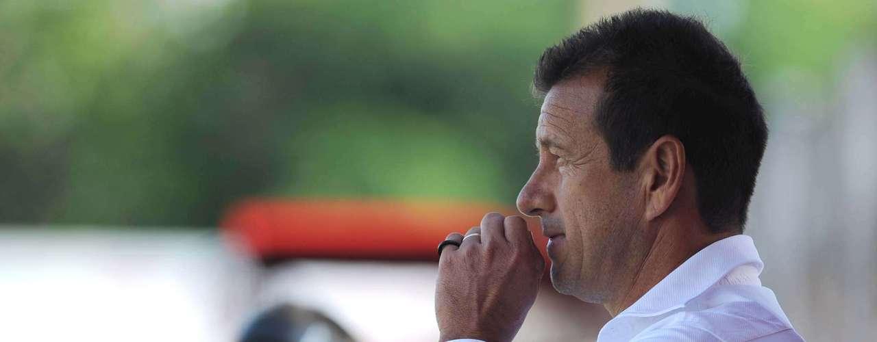 Dunga conquistou seu primeiro título como treinador de clubes justamente em sua cidade natal