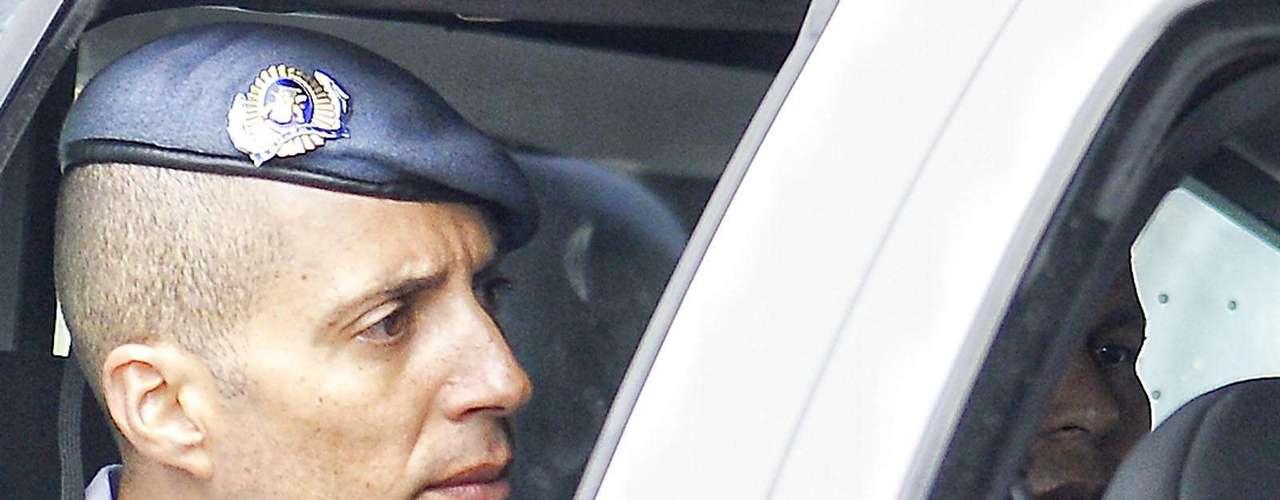 11 de março O réu, Mizael Bispo, chega ao Fórum de Guarulhos escoltado em viatura da PM