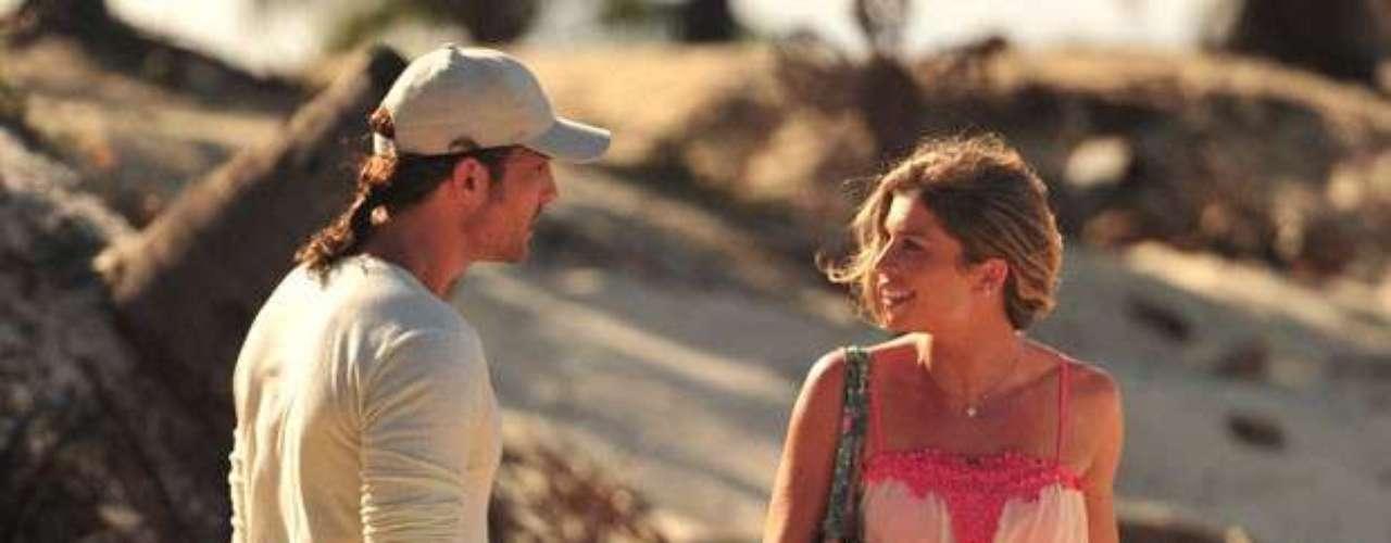 Quando mais jovem, Alberto (Igor Rickli) se declarou para Ester (Grazi Massafera), mas levou um fora