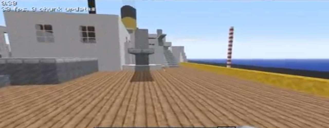 Área externa do Titanic