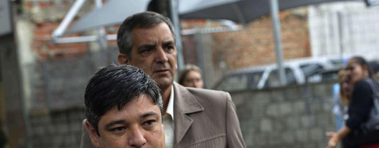 14 de março - Márcio Nakashima, irmão de Mércia, chega ao fórum de Guarulhos para o quarto dia de julgamento de Mizael