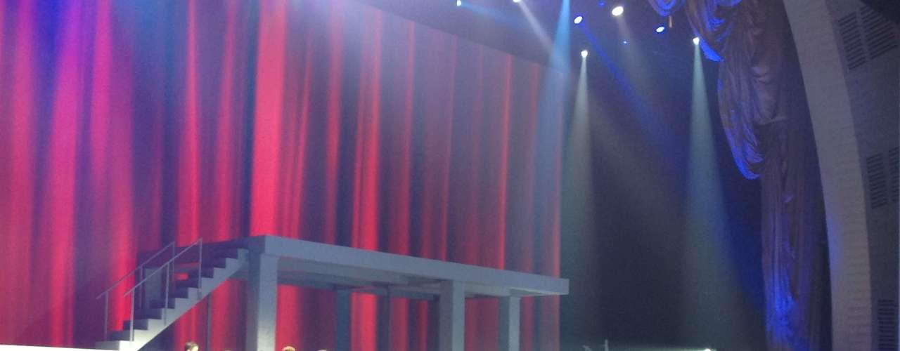 Lançamento do Galaxy S4 aconteceu em uma apresentação que lembrou espetácuilos da Broadway