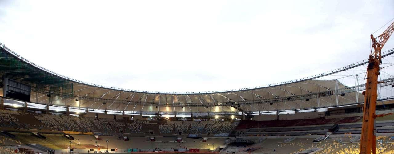 22 de março: no dia em que a PM cercou o Museu do Índio e entrou em choque com manifestantes contrários à demolição do local, que deve dar lugar a estacionamento e centro comercial anexo ao Maracanã, foram divulgadas novas fotos do estádio que vai receber a final da Copa de 2014