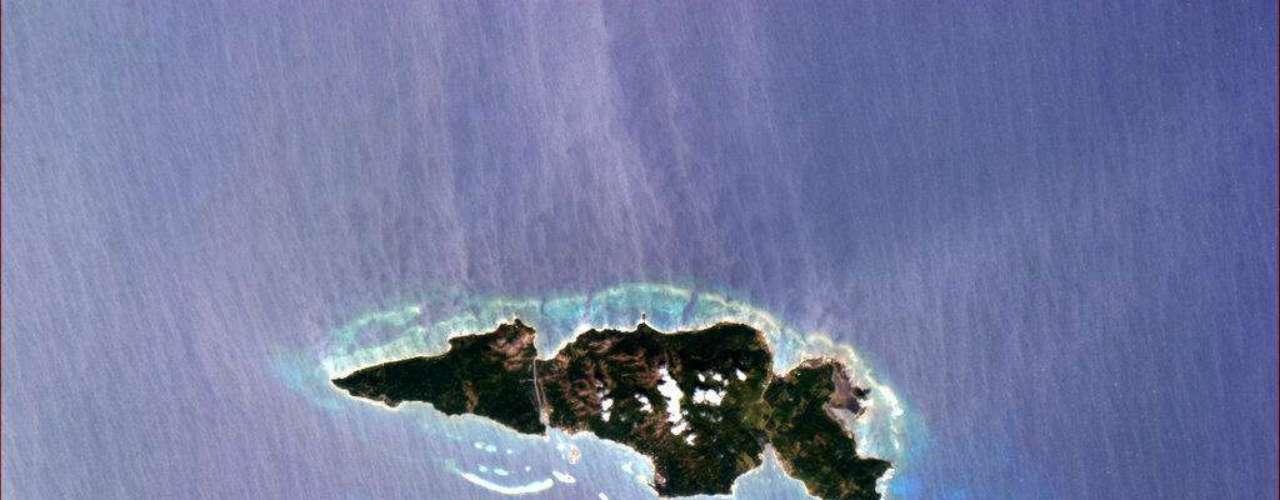 Astronauta Chris Hadfield mostraa ilha Guanaja, em Honduras, que, segundo ele,surpreende pela perfeição e sua forma de concha. Guanaja foi descoberta por Cristóvão Colombo em 1502