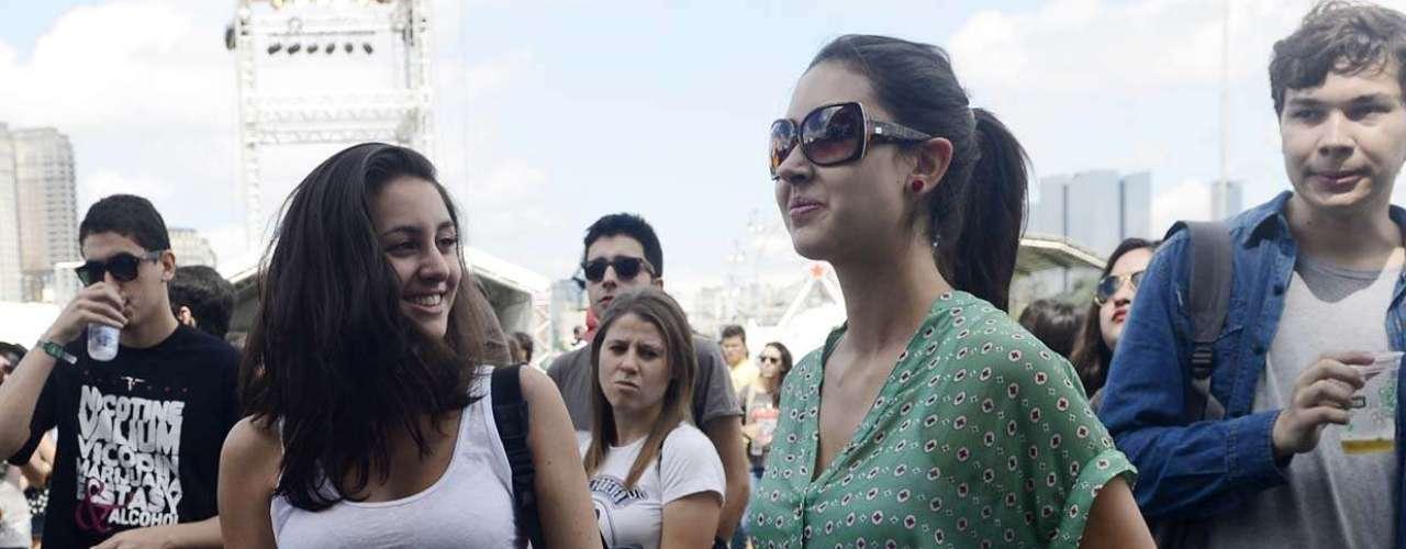 Público curte o show da banda Holger, no palco Butantã, nesta sexta-feira (29), primeiro dia do Lollapalooza 2013, no Jockey Club de São Paulo. O festival acontece até domingo (31)