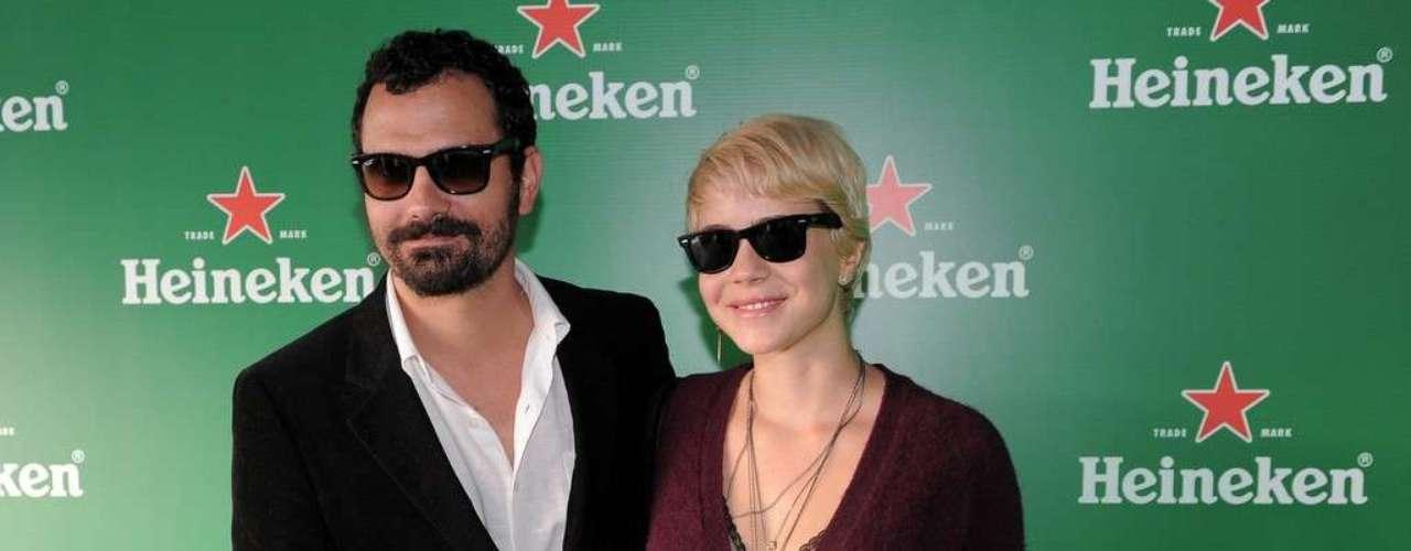 Neste sábado (30), segundo dia do festival Lollapalooza Brasil 2013, o Jockey Club de São Paulo recebeu alguns famosos. Entre eles, Ale Youssef e Leandra Leal