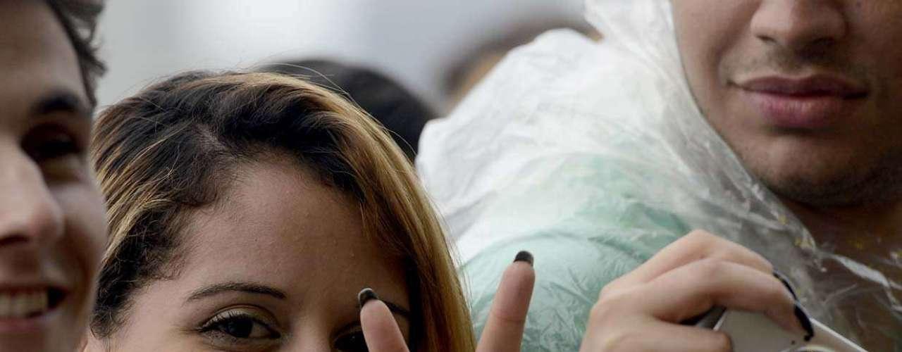 Público curte o primeiro dia do festival Lollapalooza, nesta sexta-feira (29), no Jockey Club da capital paulista