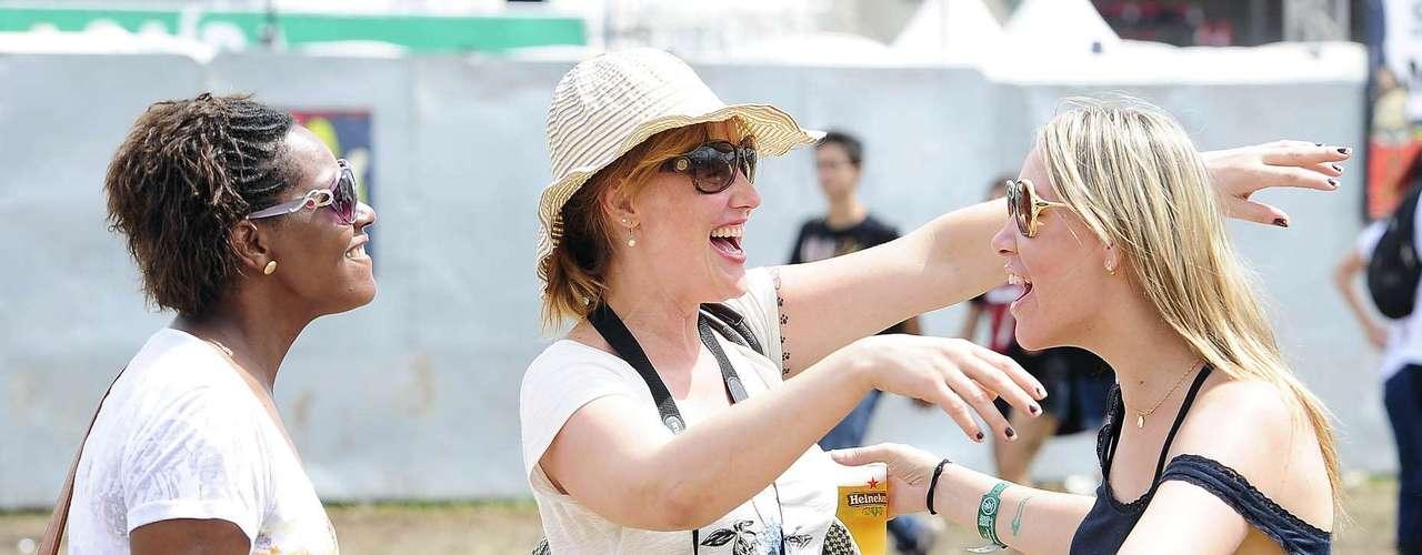 No terceiro e último dia de Lollapalooza, neste domingo (31), o público usou roupas leves para não sofrer com o calor