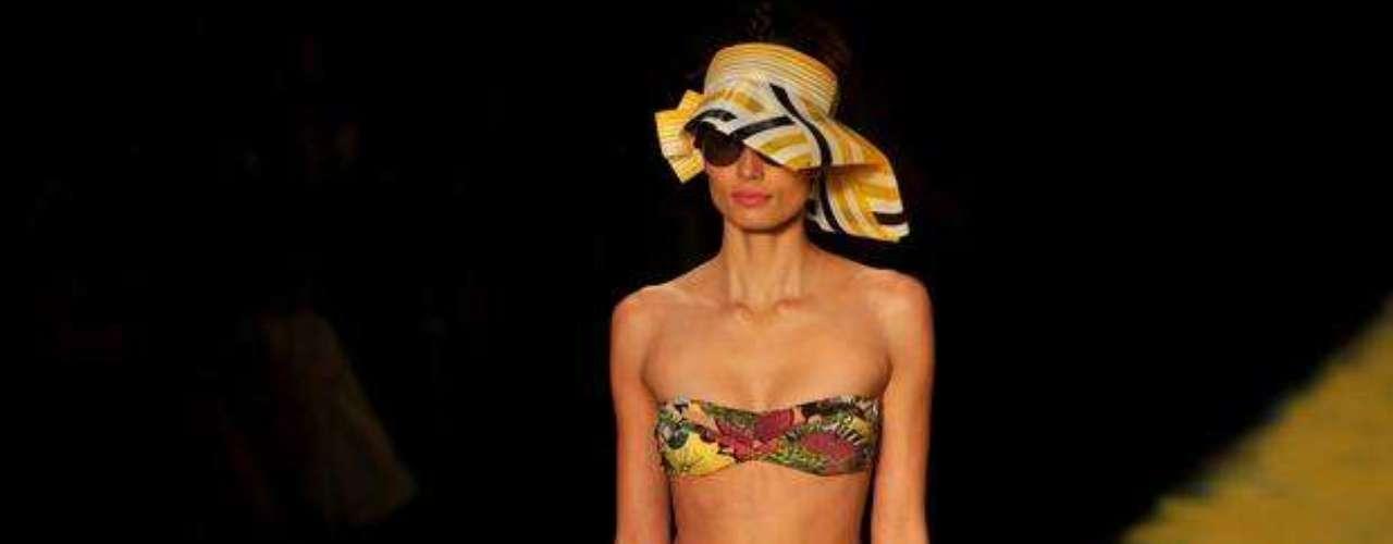 Estampas em várias cores: apresentadas pela grife Salinas, no Fashion Rio verão do ano passado