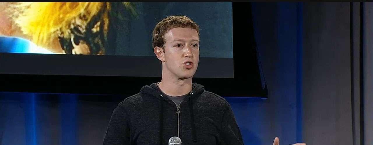 """MarkZuckerberg disse que o anúncio de hoje permitirá ao usuário transformar o telefone em um dispositivo ótimo, simples e social. Oaplicativo para Android tem o objetivo de transformar qualquer smartphone com o sistema operacional do Google em uma espécie de """"celular do Facebook"""""""