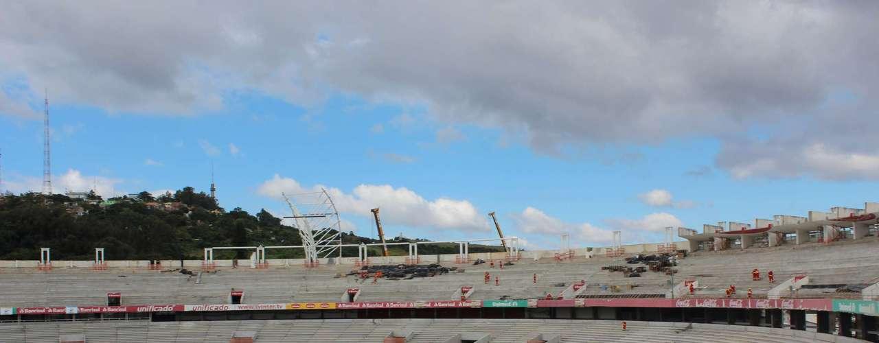 5 de abril de 2013:dentro do Beira-Rio já estão prontas as arquibancadas inferiores e superiores, as cadeiras devem ser colocadas a partir de maio, em um processo que levará cerca de quatro meses
