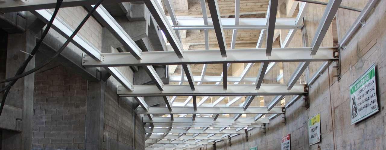 5 de abril de 2013: grande parte da estrutura ficará pronta em setembro, quando passará a receber acabamentos e últimos detalhes