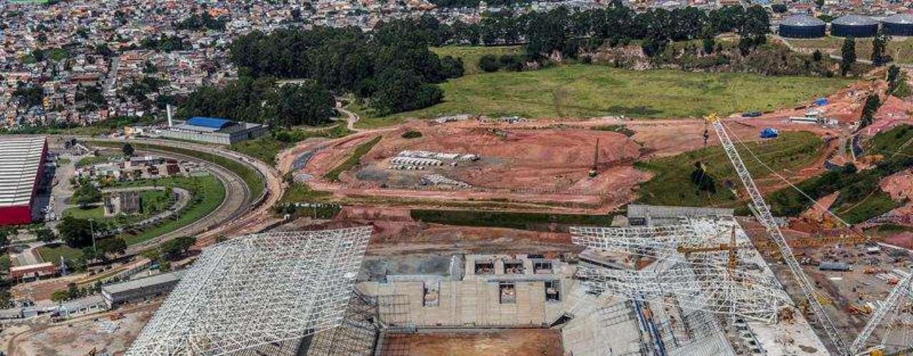 05 de abril de 2013: as obras no estádio que o Corinthians constrói em Itaquera já chegaram a 70,12%