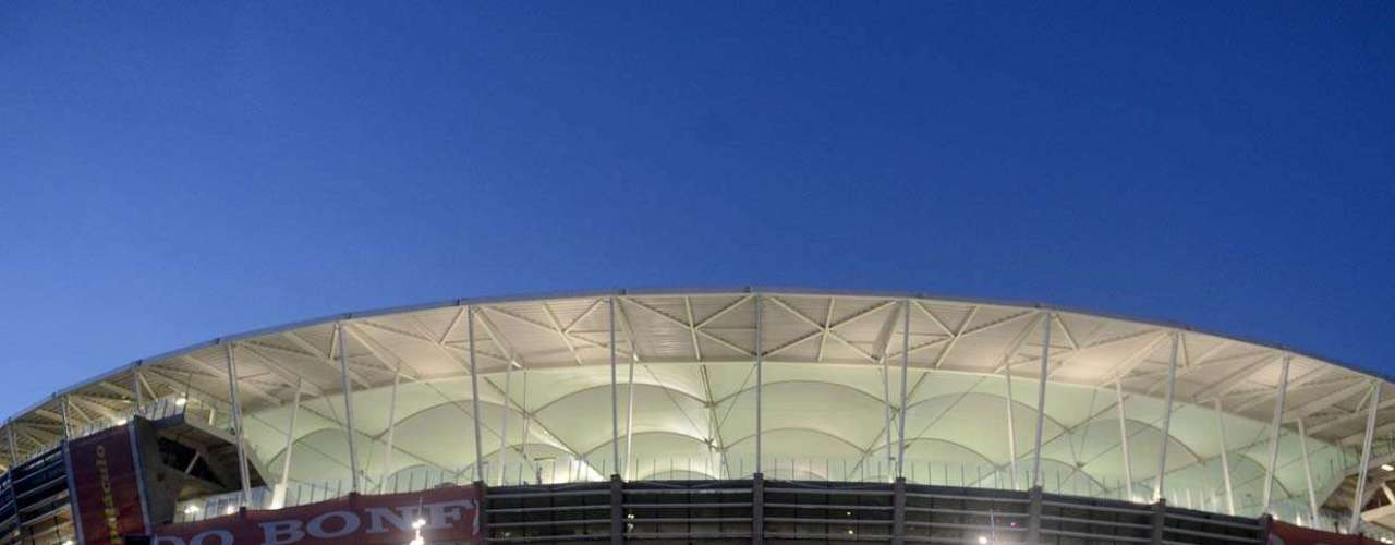 A Arena Fonte Nova recebe seus últimos ajustes antes de receber o clássico Bahia x Vitória neste domingo, em partida que marcará sua reabertura oficial
