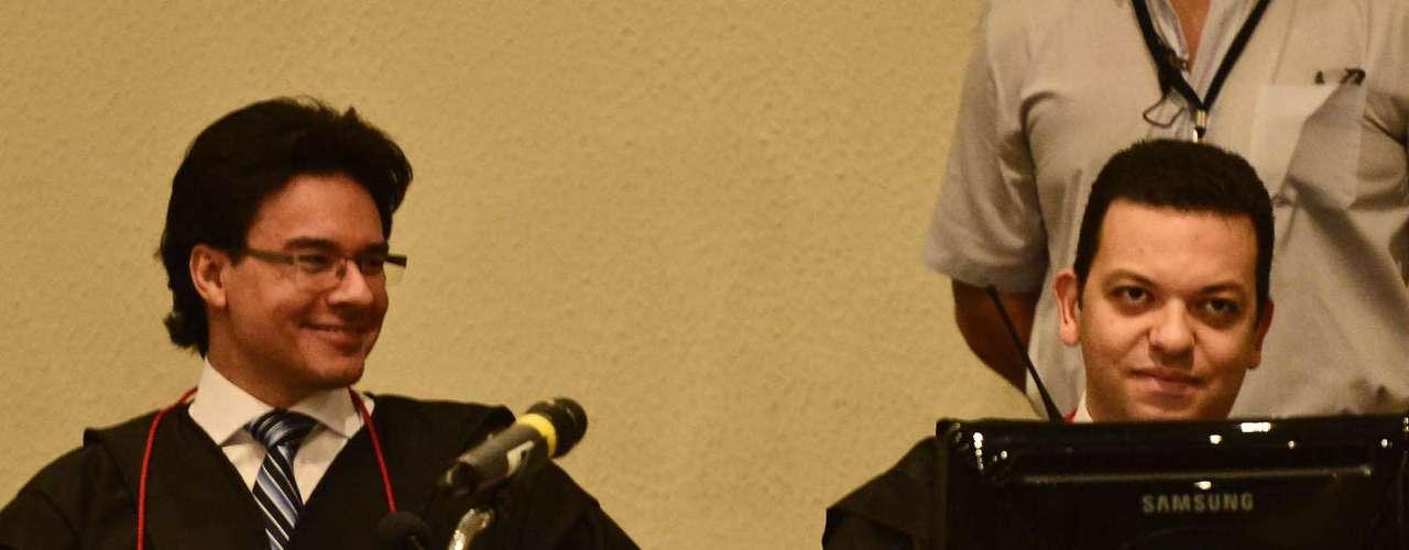 15 de abril -Promotores Márcio Friggi e Fernando Pereira da Silva são os responsáveis pela acusação