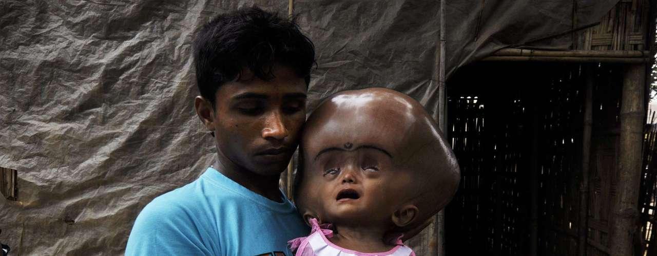 Os indianos lançaram em abril uma campanha para ajudara menina