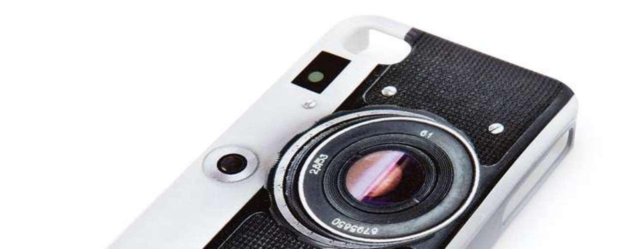 Case retrô de câmera, da Imaginarium. Preço: R$ 79,90. Informações: (11) 3034-1051