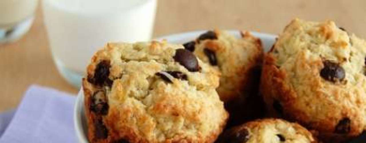 Muffin de banana com chocolate.