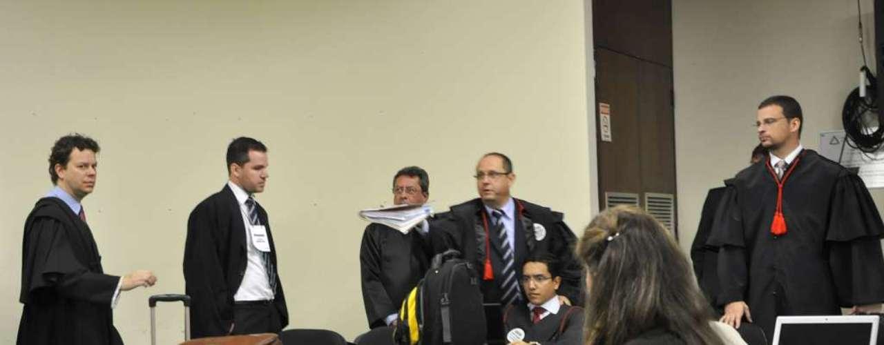 22 de abril -Juíza Marixa Fabiane negou o pedido de adiamento do julgamento feito pela defesa